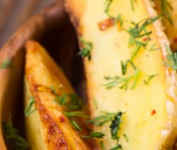 Oven baked potato wedges. Potato wedges baked in a halogen (turbo) oven. Very easy and delicious appetizer! #oven #turbooven #halogenoven #potatoes #vegetarian