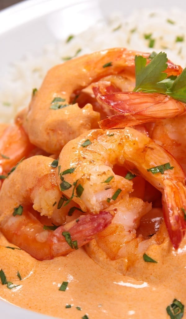 The best instant pot shrimp curry recipe. Learn how to cook yummy spicy shrimp in an electric instant pot. #pressurecookerrecipes #instantpotcooking #shirmp #indianrecipes #dinner #homemade