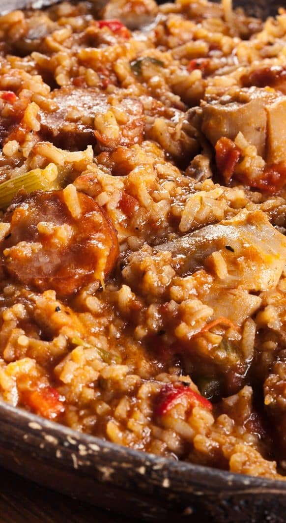 Slow cooker chicken Jambalaya. Chicken breasts with spices, chorizo sausages, and rice cooked in a slow cooker. Very delicious. #slowcooker #crockpot #chicken #jambalaya #dinner