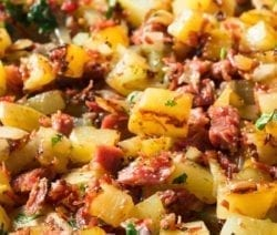 Instant pot corned beef hash recipe. Corned beef with vegetables and herbs cooked in an electric instant pot. #pressurecooker #instantpot #beef #hash #dinner