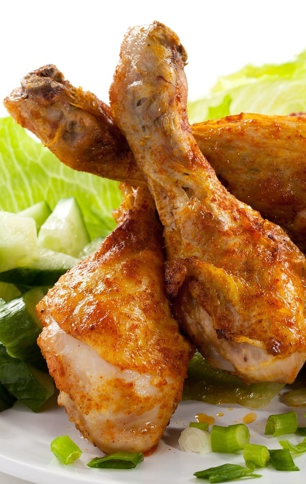 Air fryer keto chicken drumsticks recipe. Learn how to cook crispy, delicious, Whole30, and keto chicken drumsticks in an air fryer. #airfryer #dinner #chicken #keto #healthy #crispy