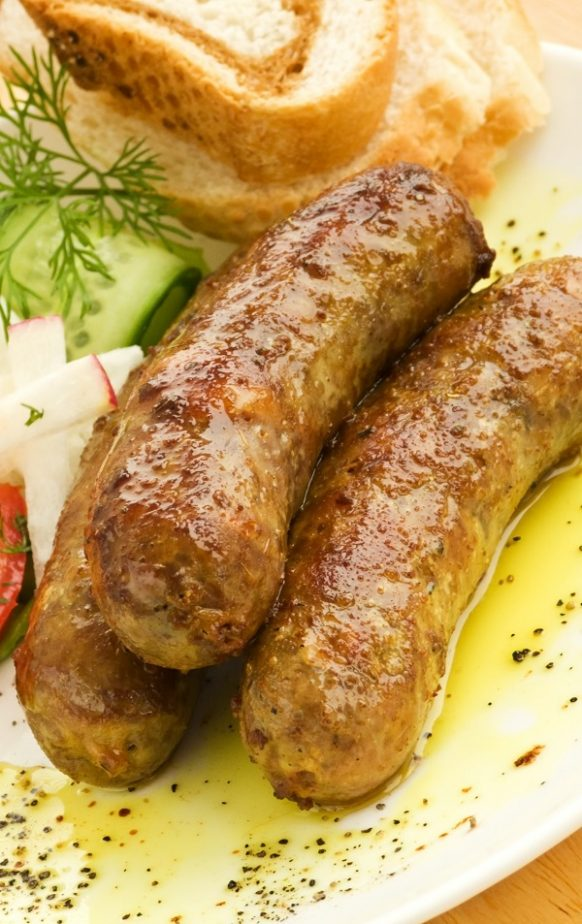 Air fryer Italian sausages recipe. Learn how to cook Italian sausages in an air fryer. Very simple recipe. #airfryer #dinner #easy #recipes #food #sausages