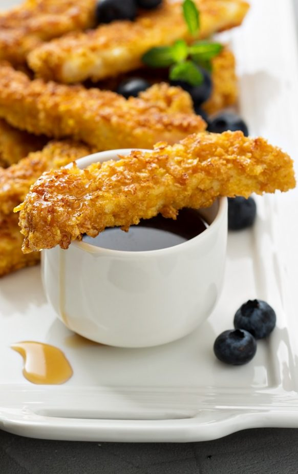Air fryer golden French toast sticks recipe. Learn how to cook crunchy sticks in an air fryer. Easy and tasty breakfast! #airfryer #breakfast #magicskilletrecipes, toasts
