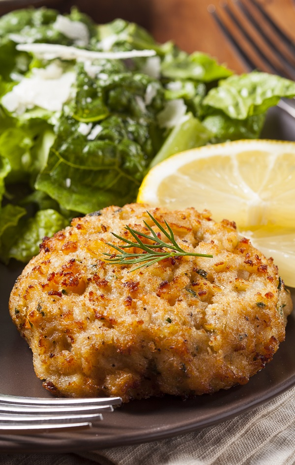 Air fryer crab cakes recipe. Easy and healthy crab cakes fried in an air fryer. #airfryer recipes, dinner #seafood #crabs #cakes #homemade #magicskilletrecipes