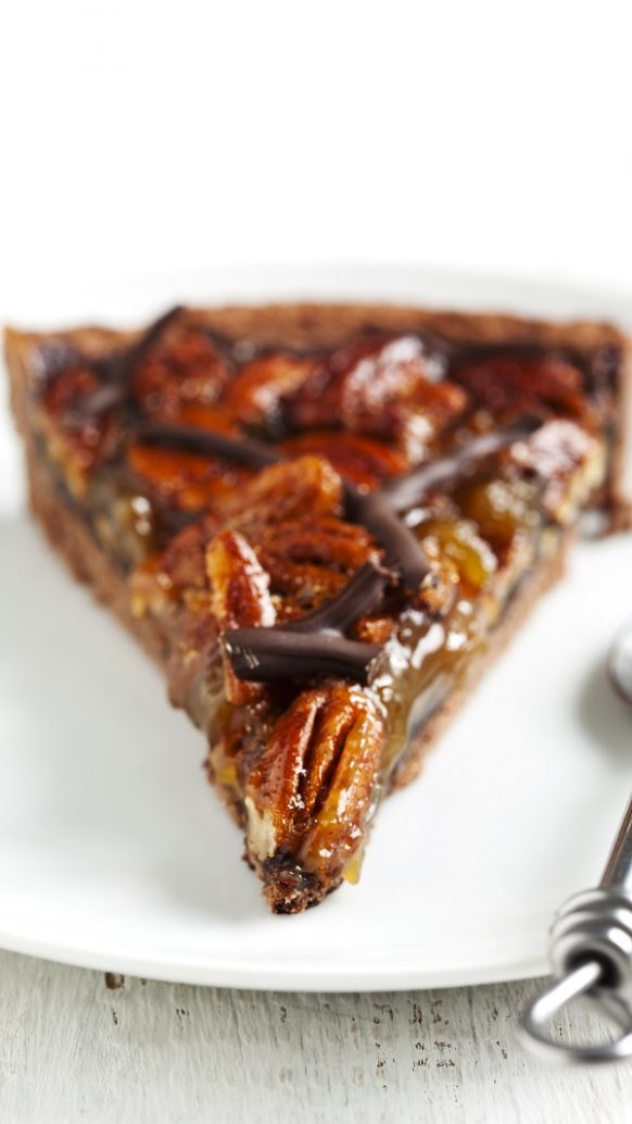 Air fryer chocolate pecan pie recipe. Learn how to cook easy and yummy dessert in an air fryer. #airfryer #pie #desrts #yummy #breakfast #recipes #chocolate #easy