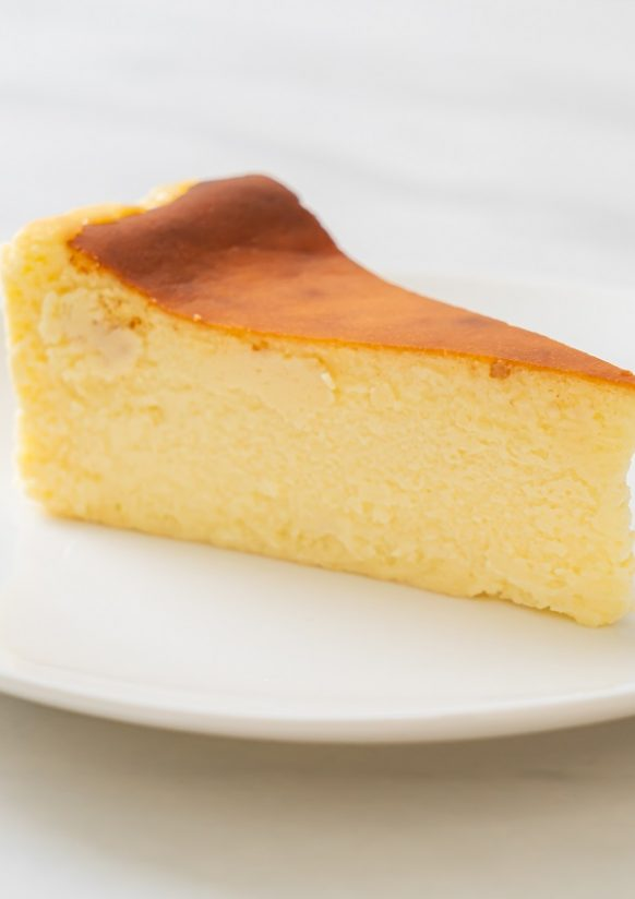 Air fryer lemony ricotta cheesecake recipe. Learn how to cook yummy cheesecake in an air fryer. #airfryer #desserts #cheesecake #breakfast