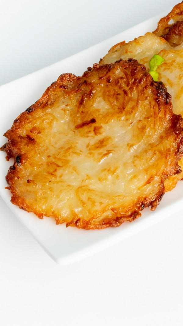 Air fryer mashed potato pancakes recipe. Learn how to cook crispy and delicious potato pancakes in an air fryer. #airfryer #potatoes #breakfast #pancakes #easy #crispy #delicious
