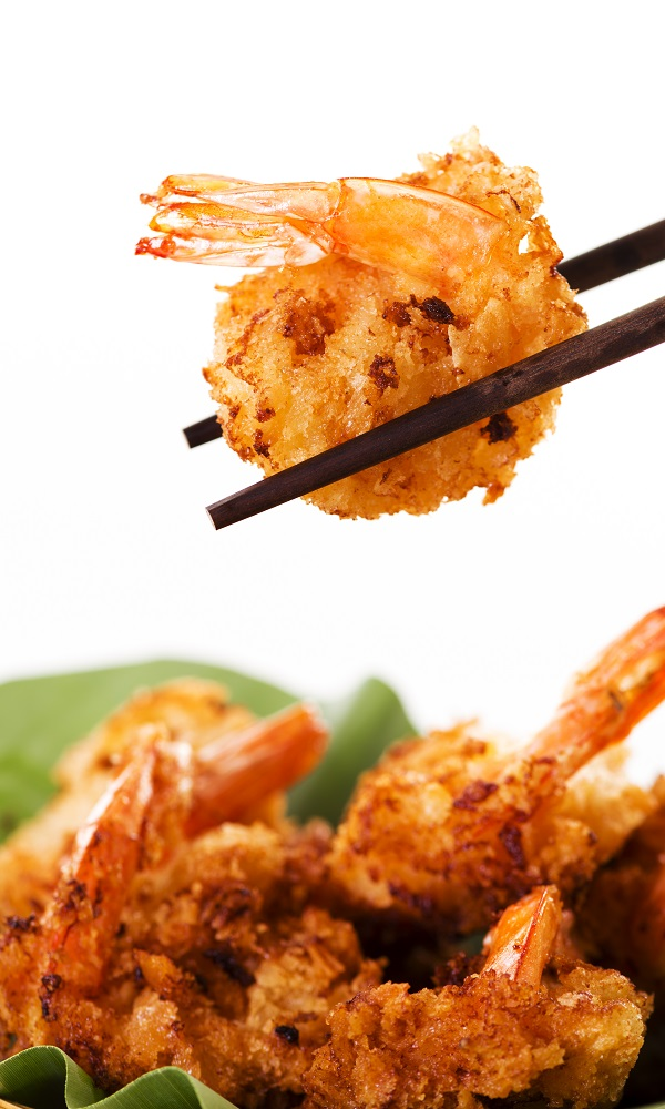 Air fryer Asian bang bang shrimp recipe. Spicy and crispy shrimp fried in an air fryer. Very delicious appetizer! #airfryer #dinner #aisan #shrimp #delicious #dinner #spicy #crispy