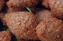 Air fryer kibbeh recipe. Kibbeh or beef croquettes cooked in an air fryer. Easy and delicious! #airfryer #dinner #beef #easy #healthy