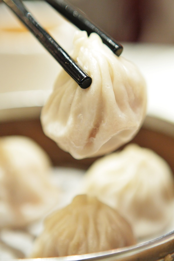 Instant pot Chinese Dim Sum recipe. Learn how to cook yummy Asian Dim Sum in an instant pot. #instantpot #pressurecooker #dinner #dumplings #chinese #easy #delicious
